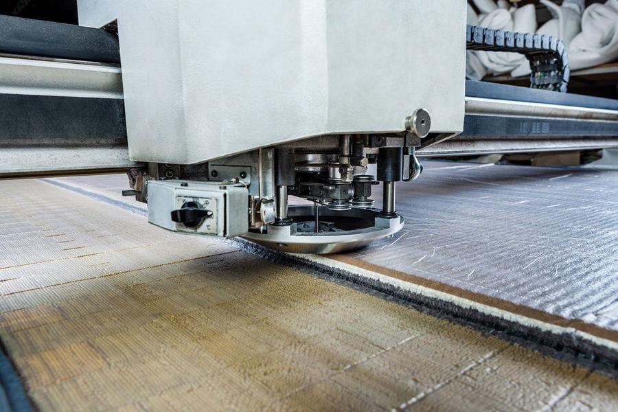 Taglio automatico del tessuto: riflettiamo su 3 vantaggi principali