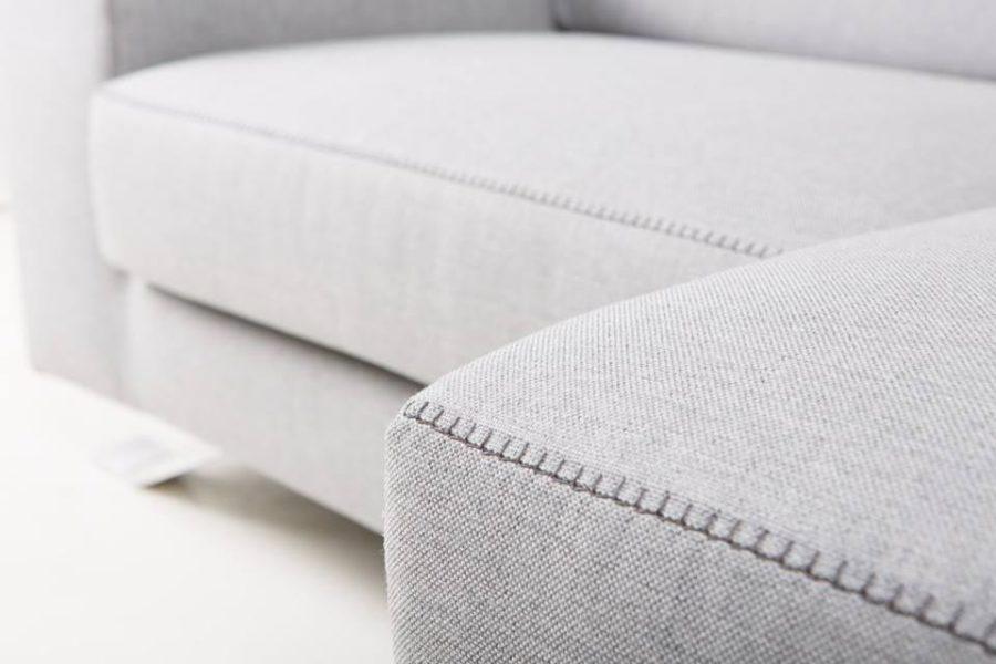 Attenti alle cuciture del divano: il dettaglio che fa la differenza